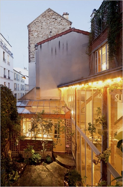 Unique greenhouse-inspired home in Paris