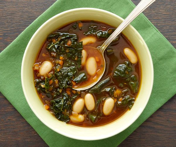 *cannellini bean and kale soup vegetarian recipe/ omitted beans and subbed for turkey, added seasoning