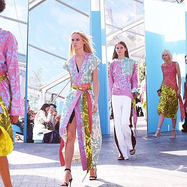 Kimono silhouettes and classic leaf prints are updated for #SS16 with #jonathansaunders vibrant color palette. #LFW #regram #candicelake (at London Fashion Week)