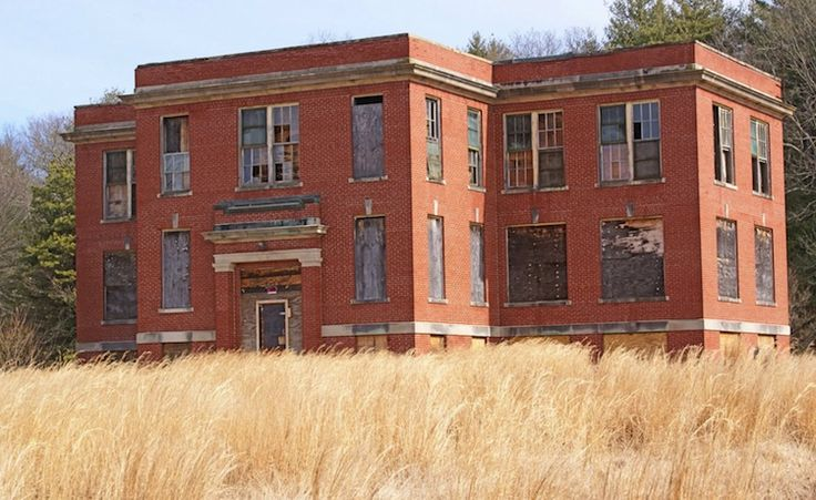 These creepy abandoned schools will teach you the meaning of fear | Road Trip - Discover Your America with Roadtrippers