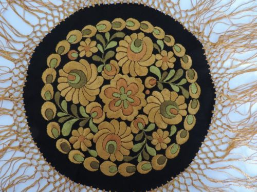 Vintage Hungarian Matyo Hand Embroidered Doily Table Centerpiece NWL Gold