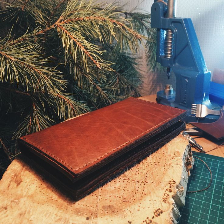 Leather wallet twelve to eleven