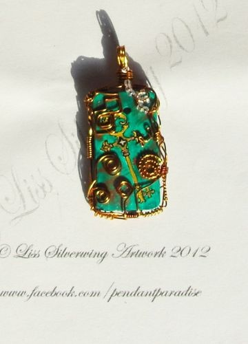 'key to your heart - pendant' is going up for auction at  6pm Sat, Oct 27 with a starting bid of $25.