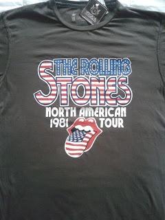 Novas camisetas para a coleção, incluindo o modelo show de bola dos Rolling Stones produzido pela Sergio K!