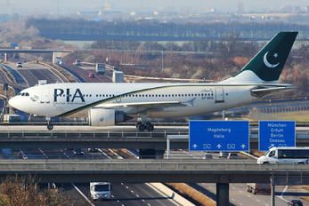 AP-BEQ - PIA - Pakistan International Airlines Airbus A310 photo (2300 views)