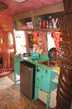 JUNK GYPSY AIRSTREAM MIRANDA LAMBERT - love what she did with the mini fridge!