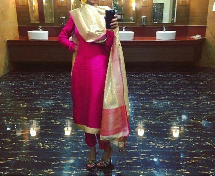 #StylishLongpajamisuit #Longpajamisuitdesign #LatestPajamisuitpatterns #StylishPajamisuitonline Maharani Designer Boutique To buy it click on this link : http://maharanidesigner.com/Anarkali-Dresses-Online/pajami-suits-online/ Rs-6000. Fabric- Pure khadi. Banarsi dupatta. For any more information contact on WhatsApp or call 8699101094 Website www.maharanidesigner.com Maharani Designer Boutique's photo.