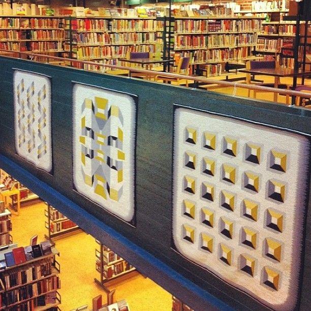 """@sandefjordbibliotek's photo: """"#mittbibliotek #sandefjordbibliotek #vevde #tepper #kunst #art #marilynrosehuseklepp"""""""