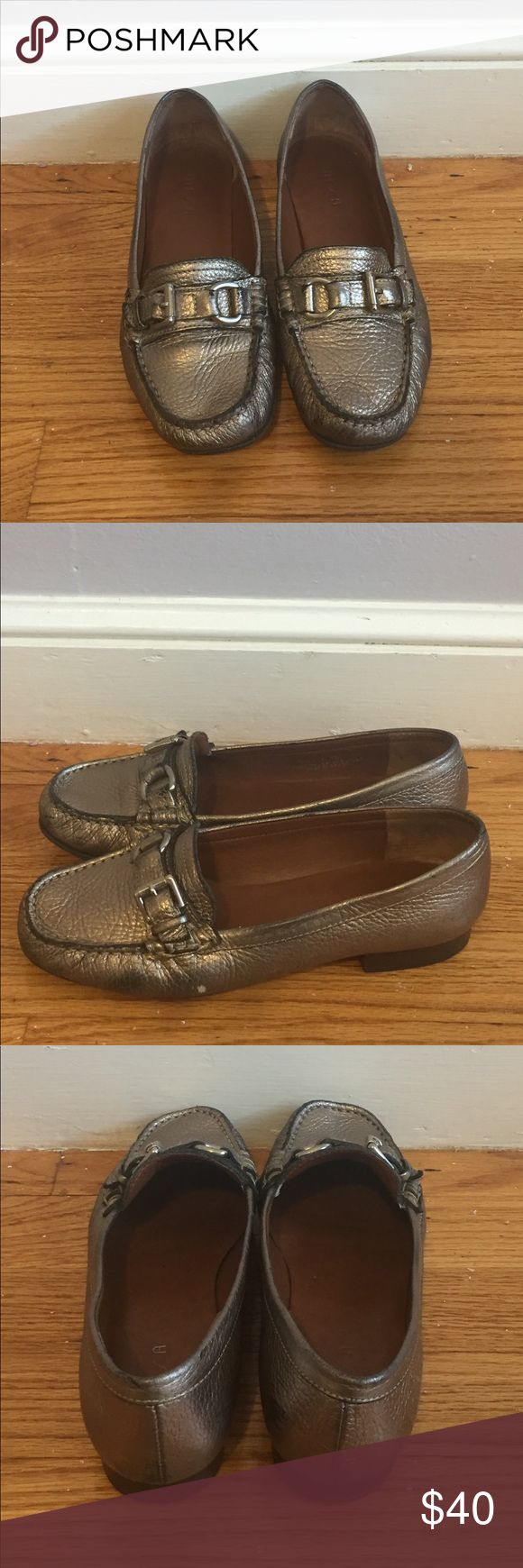 """Unisa Women's Metallic Leather Loafer Sz 7B😍 Unisa Women's Metallic Leather Loafer Sz 7B😍. In good preloved condition. These fit more like a women's Sz 7.5. The masculine shoes for the most feminine look - these are an eye catching metallic pewter. Gorgeous and super comfortable. These have some wear to them on the soles, and blackish scuffs. Definitely does not detract from the stylish silhouette of the shoe itself. Please look at all the photos and ask questions if you have any. 1"""" heel…"""