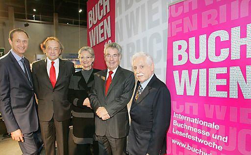 Eröffnung der BUCH WIEN Internationale Buchmesse am 21. November 2012 | Fotograf: Peter Hautzinger | Credit:LCM/APA-Fotoservice/Hautzinger | Mehr Informationen und Bilddownload in voller Auflösung: http://www.ots.at/presseaussendung/OBS_20121122_OBS0001