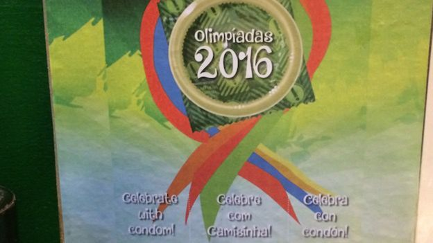 Las populares máquinas dispensadoras de condones en Rio