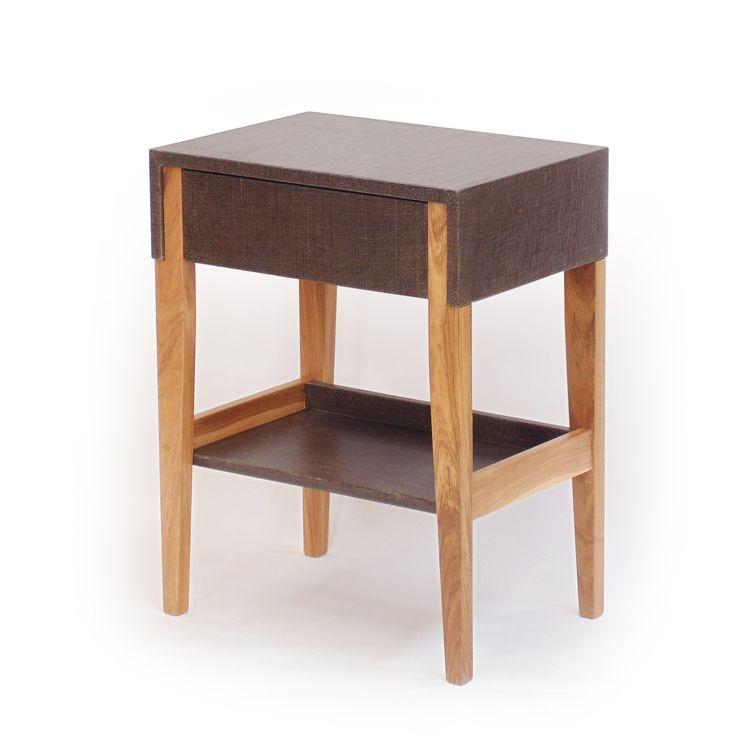 Mesa MATILDE con cajón y bandeja. Esta: lino gris topo. Hay varios colores de lino, arpillera y microcemento.