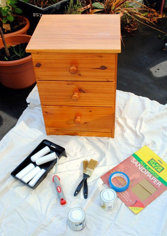 How to paint an old pine bedside table