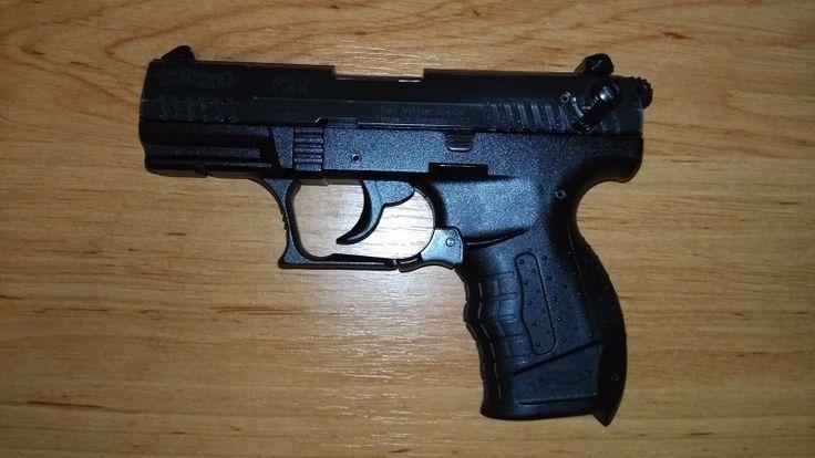 Walther P22 PISTOLE .22 - Prodám pistol značky Walther P22. Dva zásobníky příslušenství a čištění, vše co je na obrázku. V případě zájmu dodám pouzdro za opasek za 150Kč. Prodej pouze držiteli ZP na základě povolení.https://s3.eu-central-1.amazonaws.com/data.huntingbazar.com/3914-walther-p22-pistole-22-pistole.jpg
