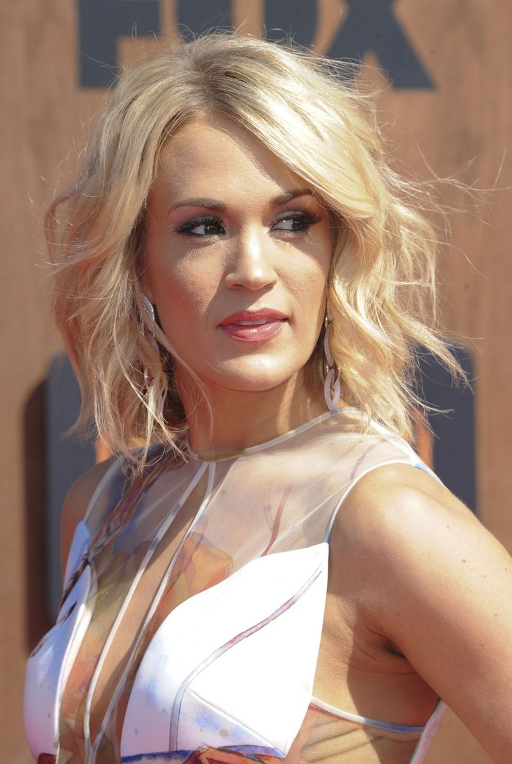 Best 25 carrie underwood haircut ideas on pinterest shoulder carrie underwood curly hair haircutsshort urmus Image collections