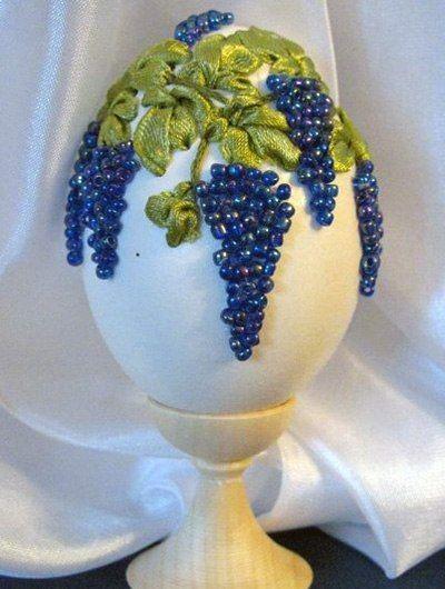 embroidery eggshells