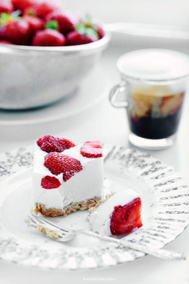 about Strawberry shortcake... on Pinterest | Pavlova, Strawberry ...
