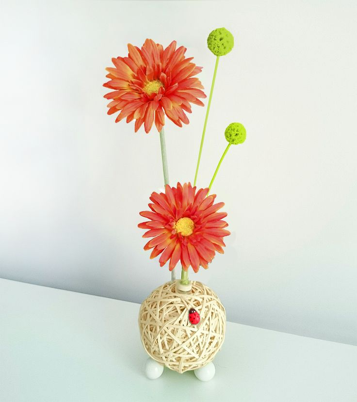 Centro floral aromático Flowerfresh New Ball. Hecho a mano e incluye un botecito de aroma a elegir. Crea tu modelo a tu medida!!
