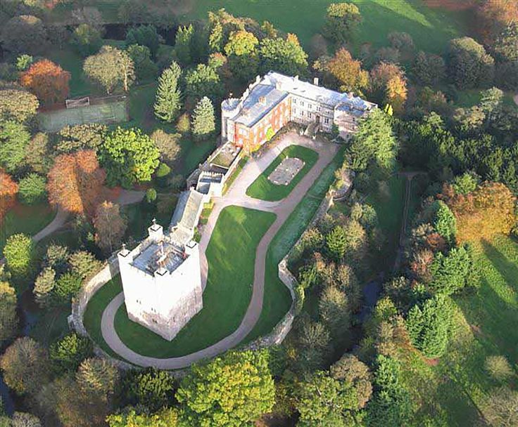Leby Castle Is A Beautiful Wedding Venue Near In Bria With Wide