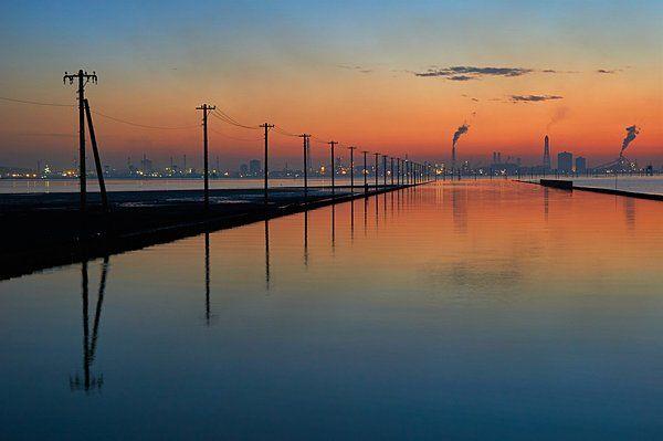日本の「ウユニ塩湖」として話題の江川海岸
