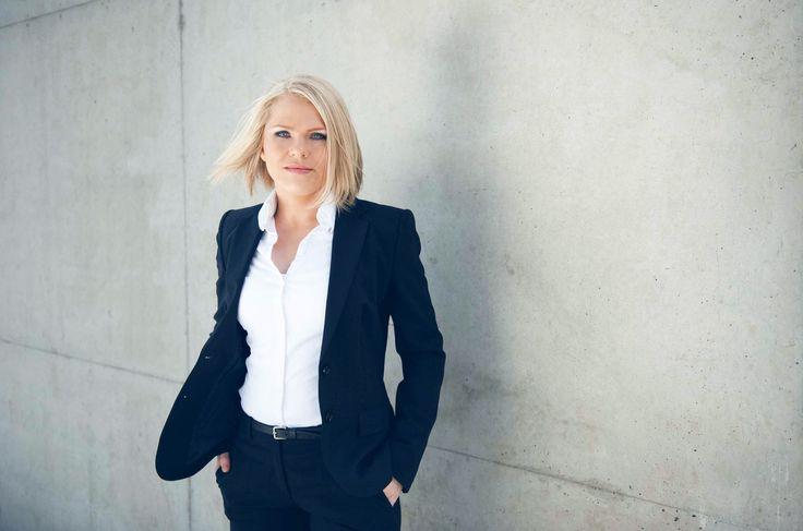 Sarah_Vogel-Bewerbungsfotograf-Fotofgraf-Koeln-Business-Bewerbungsfotos-Imagefotos-Businessfotos-Portraitfotos-Duesseldorf