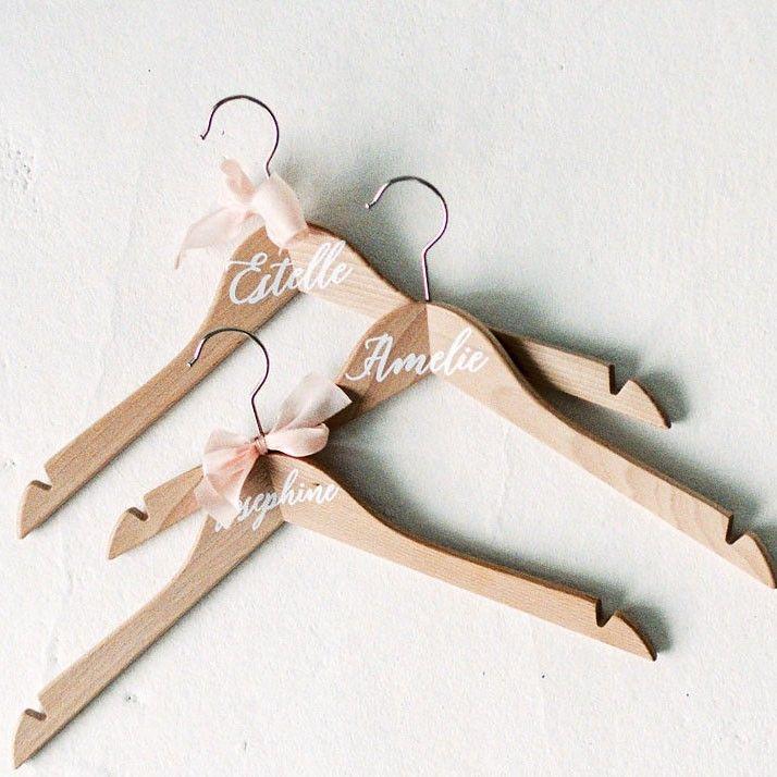 Brautkleidbügel mit Namen – Bild 1