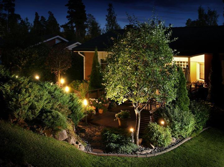 Tired of your boring #HomeLandscaping? Light up your #Landscaping with our #DIY low voltage lighting kits. http://qoo.ly/jpnq5 Learn more at http://ift.tt/2lqiJ8m