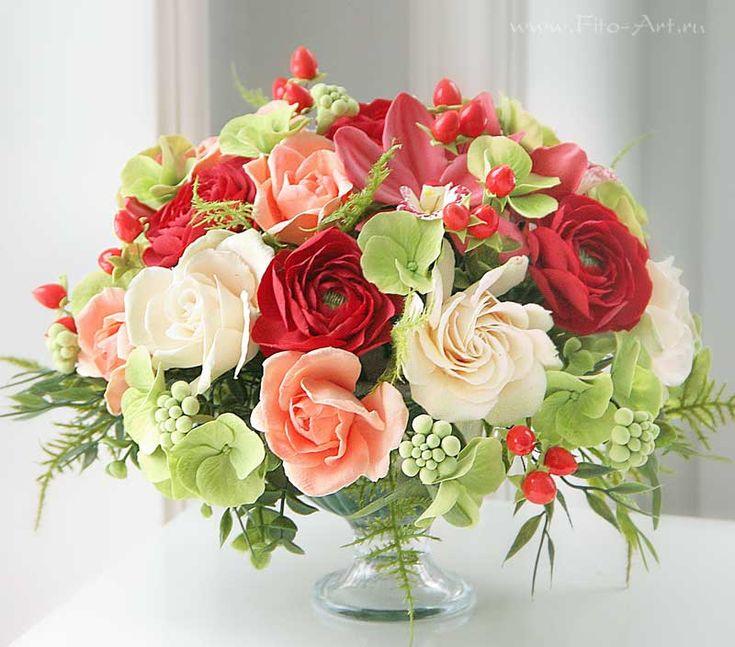 Букет с красными лютиками. Цветы из полимерной глины. Екатерина Звержанская.