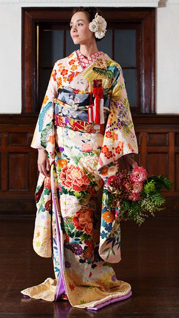 Hiki-hulisode: Japanese wedding kimono More