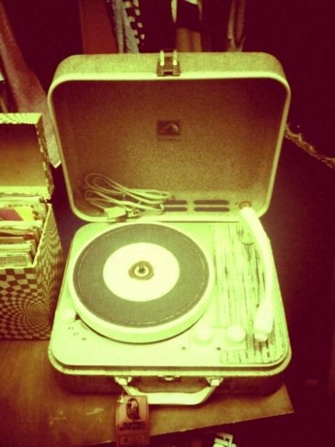 Gramophones - Boy