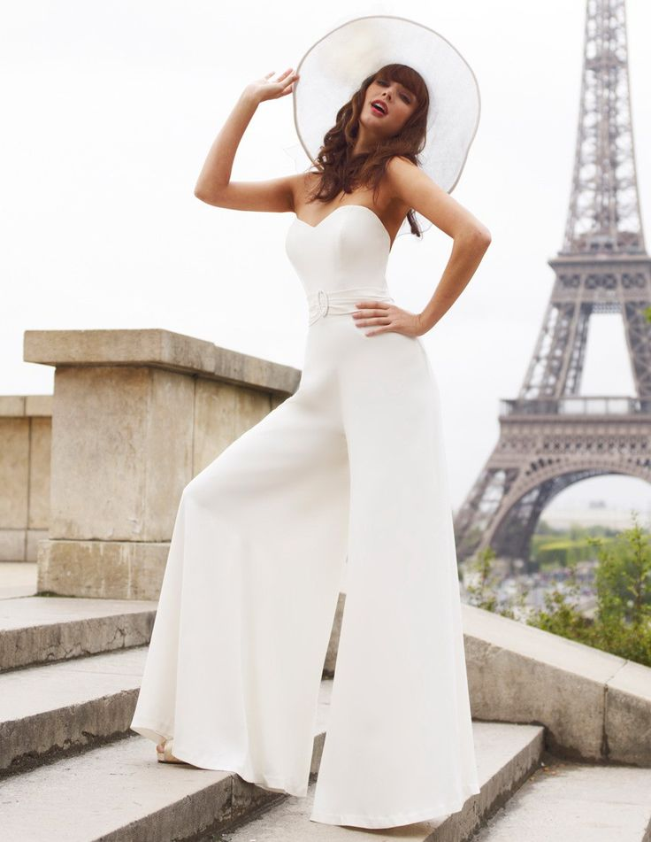 Everyone has that one look they want to achieve on their wedding day, from dress to accessories, body size and perfect skin tone. Why not try a jumpsuit?