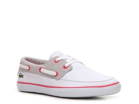 I used prime's wardrobe service to try on 4 shoes ranging from tradition boat shoe to sleek sneaker. I need a sneaker to chace the kids but really wanted boat style shoe because they look better with a range of bottoms (in my opinion) and voila, this looks like a boat .