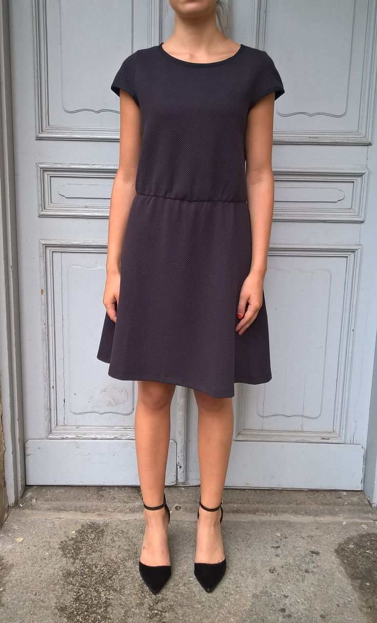Dress Kyle. Available online: http://www.sofinah.fi/product/563/dress-kyle-navy