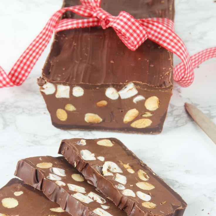 Magiskt god chokladtorrone som är en perfekt present att ge bort!