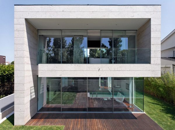 Minimalist Cube House With Geometric Look. Glass HousesConcrete ... Part 48