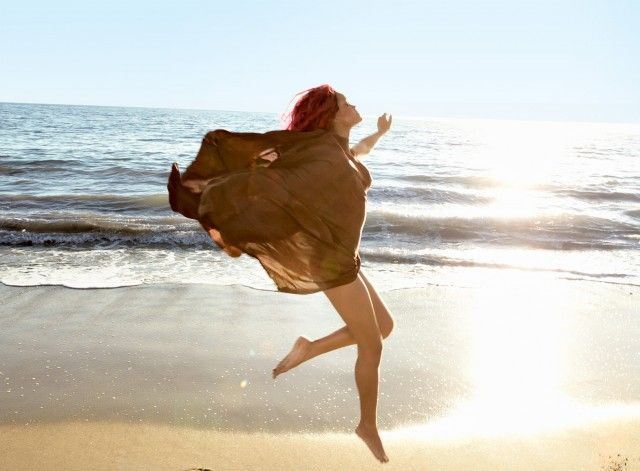This is how I feel on Saturday Mornings in Cali.: Lotions, Rihanna, Annieleibovitz, Vogue Uk, Photos Shoots, Annie Leibovitz, Vogue Magazines, Instruments, Curves