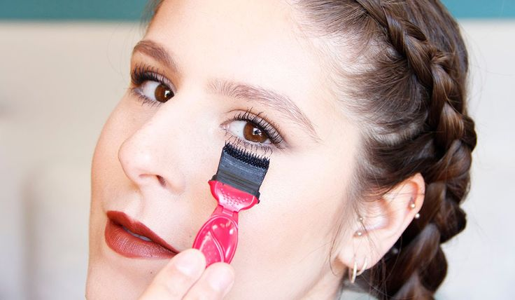 1st Impressions: Weird Mascara Applicator | REVIEW