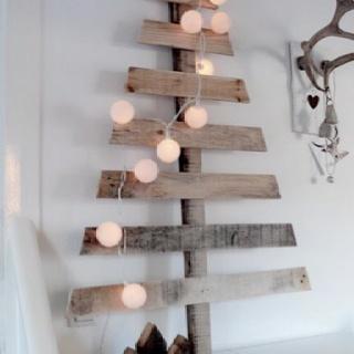 fabulous idea for a rustic Christmas tree