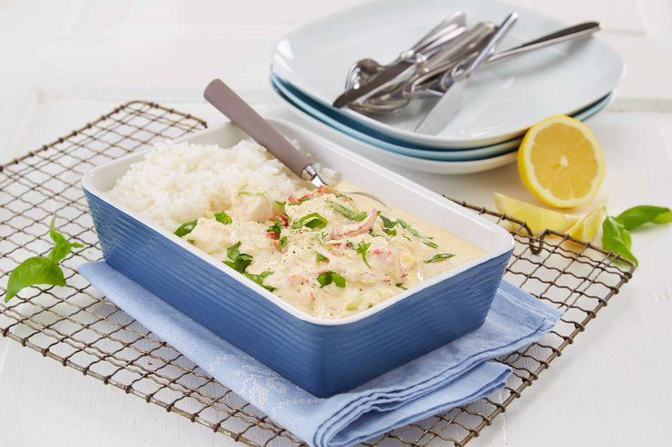 Snøfrisk setter en veldig god smak på denne enkle fiskegryten, og både hvit og rød fisk passer ypperlig. Server gjerne en god salat og kokt ris til.