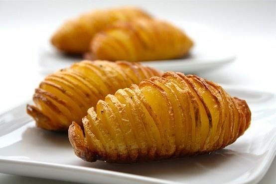 hasselback potatoes #potatoes: Hasselback Potatoes, Peppers, Recipe, Olive Oils, Baking Potatoes, Olives Oils, Cut Potatoes, 40 Minute, Sea Salts