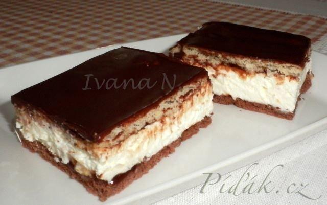 POTŘEBNÉ PŘÍSADY:  Krém:  500 g tvarohu v alobalu 200 g zakysané smetany 250 ml smetany ke šlehání 2 vanilkové cukry  Dále:  1 balíček Be Be sušenek kakaových  ...