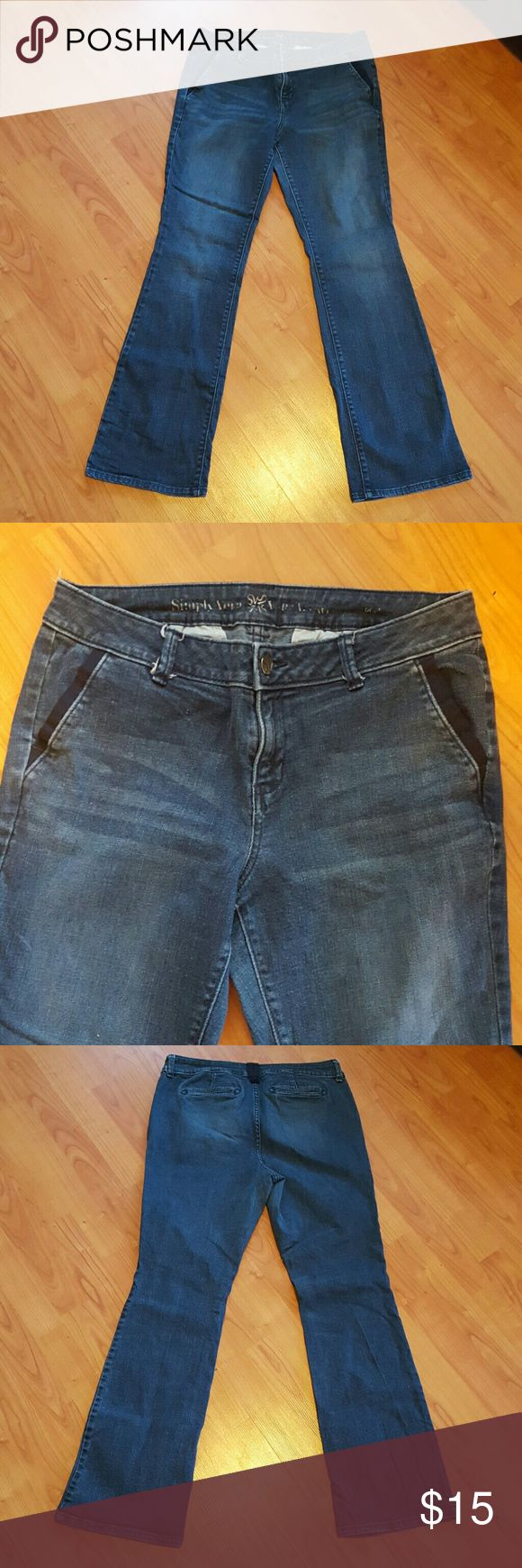 Simply Vera by Vera Wang sz 12 women's jeans Very nice pre-owned condition Simply Vera Vera Wang Jeans Boot Cut