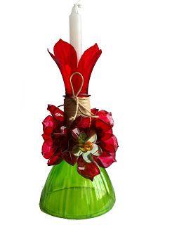 Castiçal feito da garrafa pet reciclada e pintada Nas cores verde e vermelha ficou bem natalino.