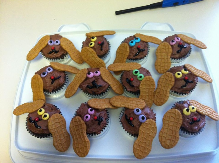 These are pupcakes made by KOLO8 News Now News Director Jennifer Hardy for Promotions Coordinator Doug Tepe.News Director, Director Jennifer, Kolo8 News, Promotion Coordinating, Jennifer Hardy, Kolo8 Food, Doug Tepee, Coordinating Doug