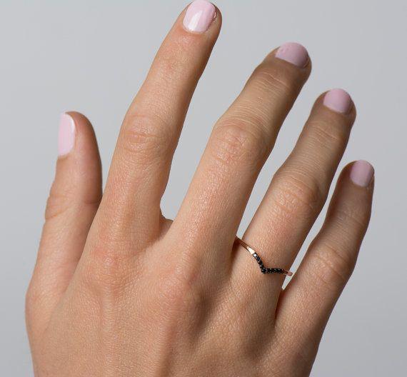 V-Shaped-Ring 14K Rose Gold Ring schwarze Diamanten Ring