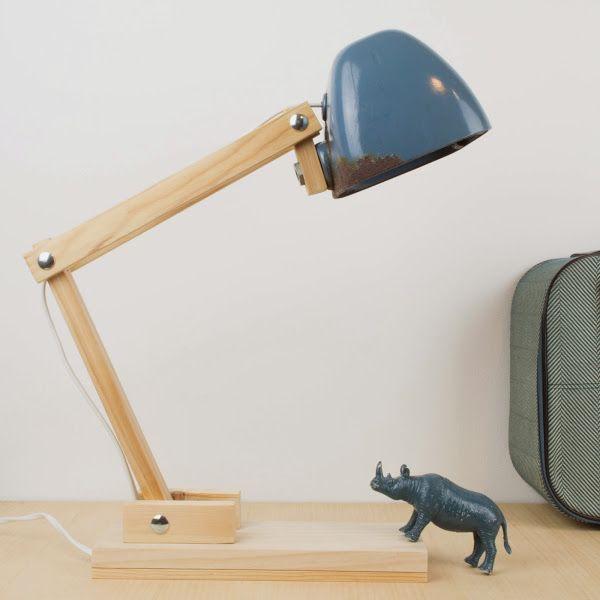 [DIY] Cómo hacer una lámpara de escritorio con un faro de tractor viejo