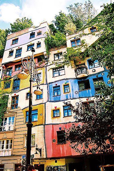Hundertwasserhaus à Vienne  F. Hundertwasser, un architecte à nul autre pareil !