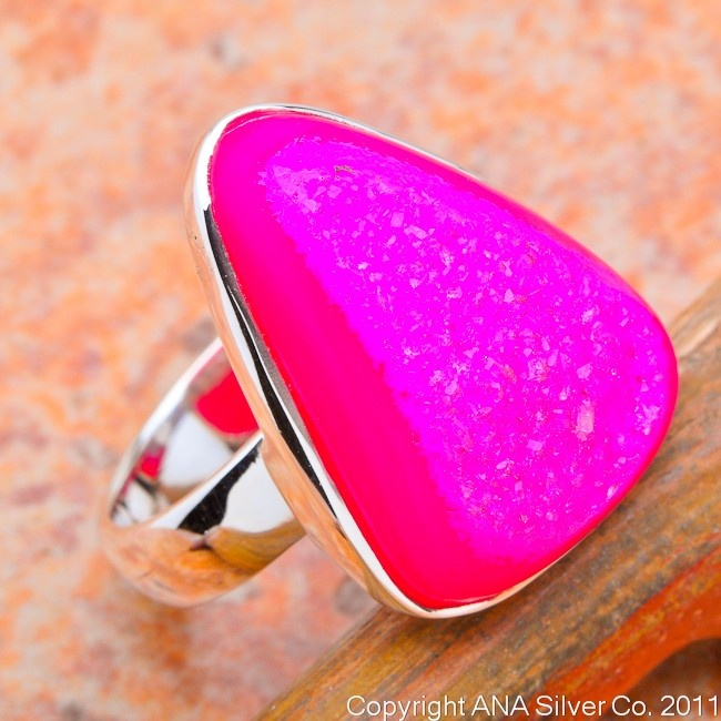 Now THAT'S pink!: Cute Rings, Cocktails Rings, Druzy Rings, Cocktail Rings, Triangles Rings, Stones Rings, Silver Rings, Pink Rings, Rings Size