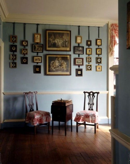 Outstanding way to hang photos in a vintage fashion. I really love the silhouettes.