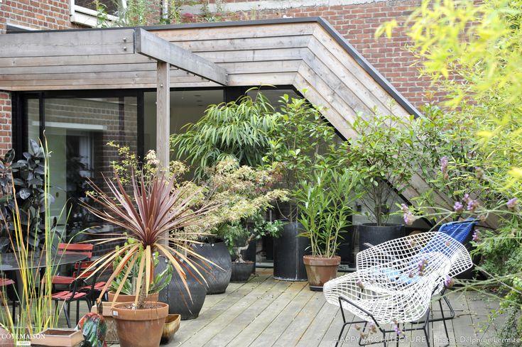 Terrasse structur e et privative avec un large deck en - Jardiniere etroite ...